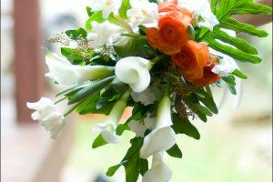 clutch-bouquet
