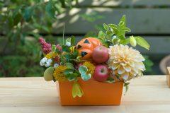 季節のフラワーアレンジ