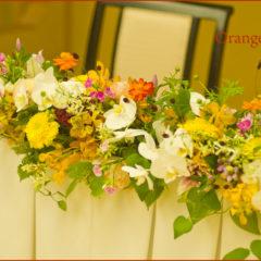 秋の草花と胡蝶蘭の和の会場装花